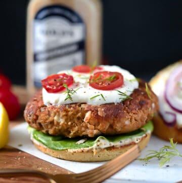 Salmon Burgers with horseradish sauce