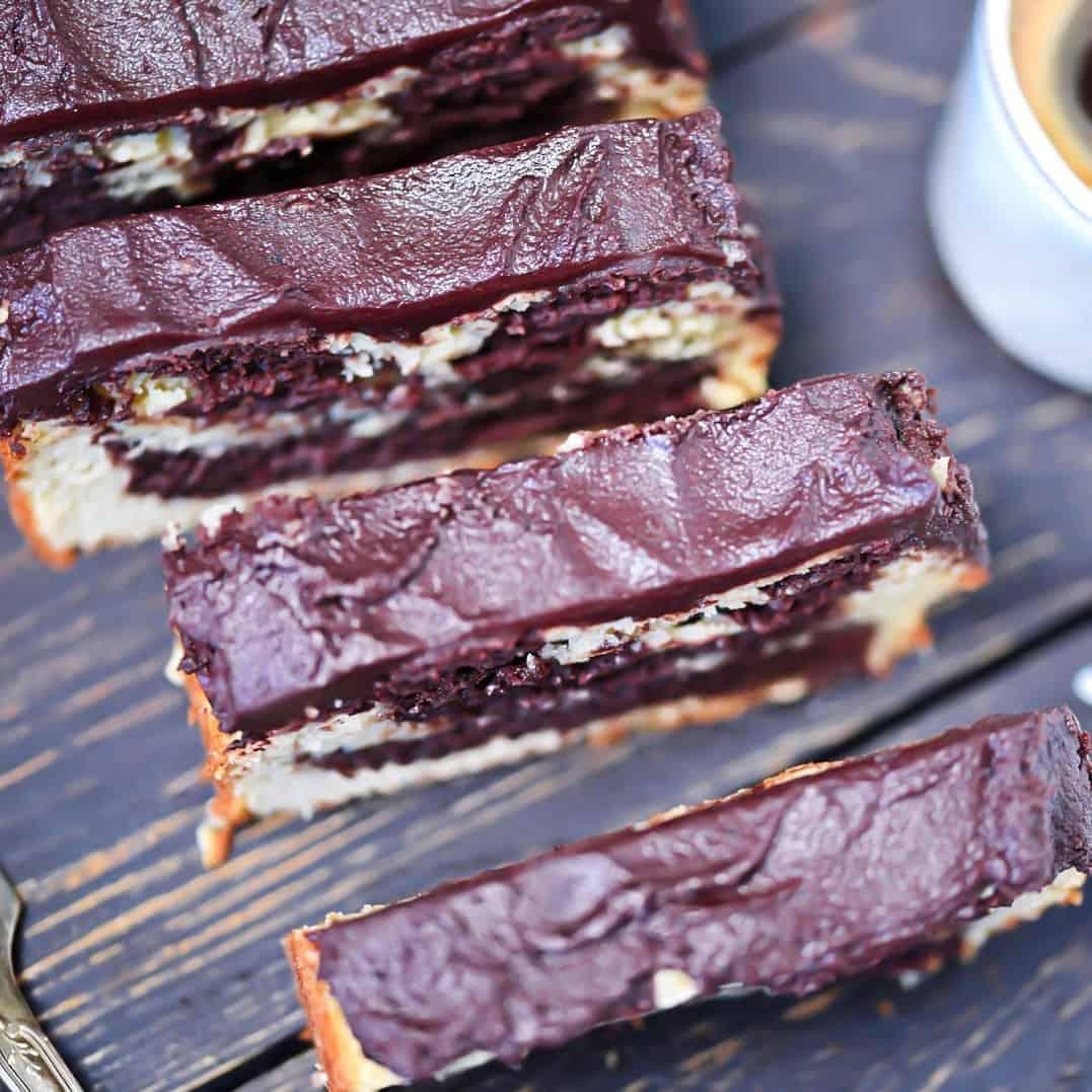 Low-Carb Chocolate Vanilla Bread