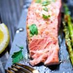 Salmon with asparagus and lemon